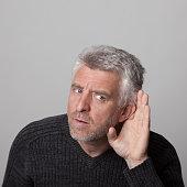 הצמדת אוזניים בגיל מבוגר